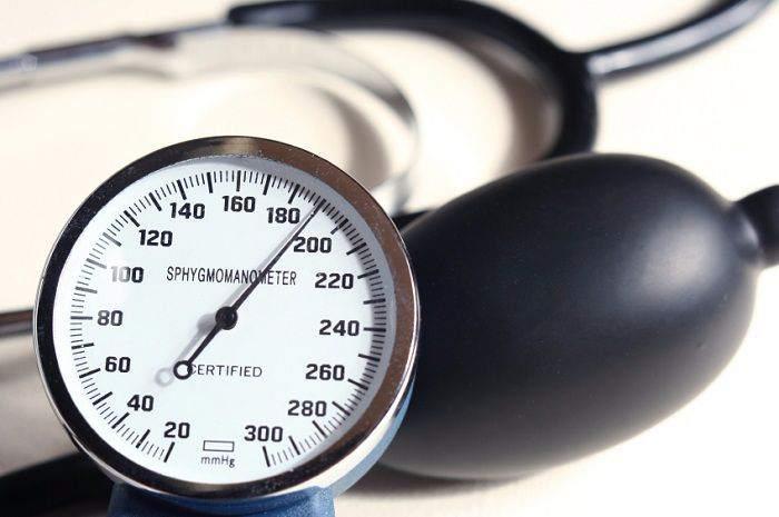 kiểm tra huyết áp tại nhà